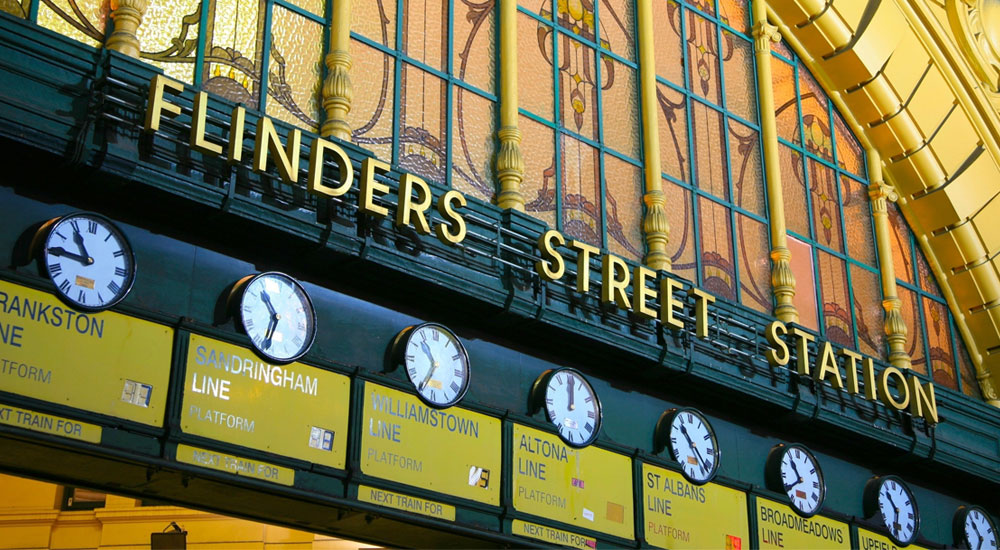 flinders street station clocks facade
